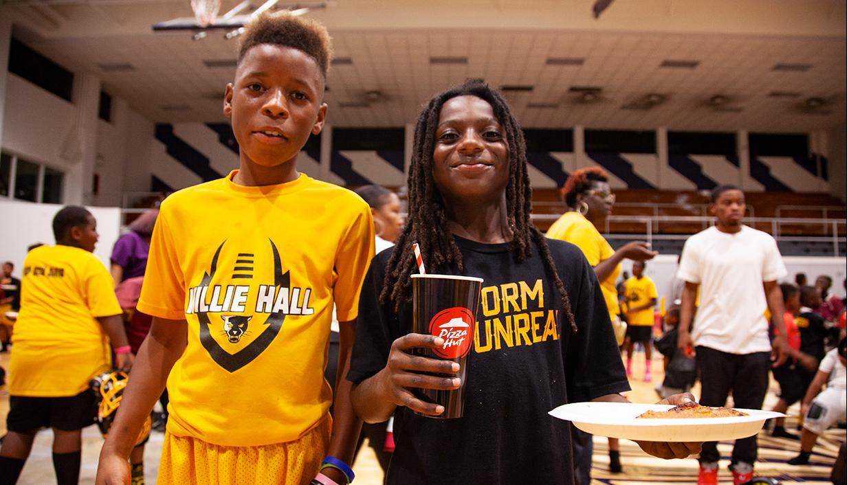 Pizza Huts kids basketball