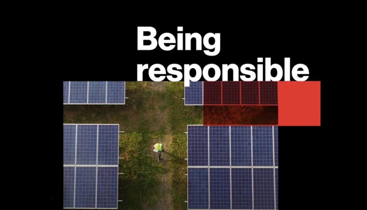 """pantalla con fondo negro y texto en inglés """"being responsible"""""""