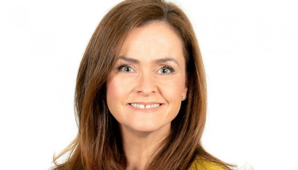 Rachel Page headshot